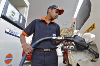 1358518158_Diesel fill in Ahd